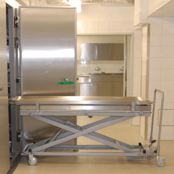 UFSK-International: Mortuary Refrigeration Units with rack loading
