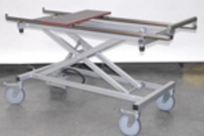 UFSK International: Coffin Lift - Roller Conveyor Top Plate