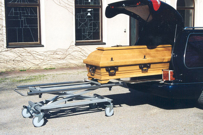 UFSK International: Coffin Lift - image 7
