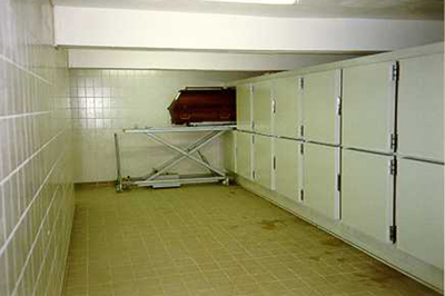 UFSK International: Coffin Refrigeration Units with single doors - image 4